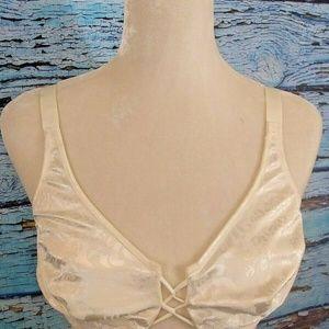 Vanity Fair Woman's Underwire Bra  Style # 75-005